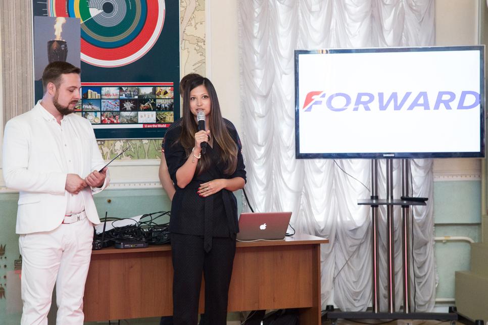 Яна Батыршина оценила новую коллекцию компании FORWARD 3